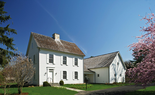 The new new england colonial tilton fenwick curators New england architects