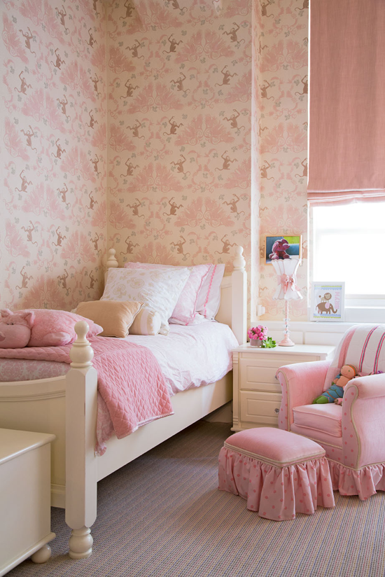 Precious little Bryn's bedroom, photo: Joe Standart, Traditional Home