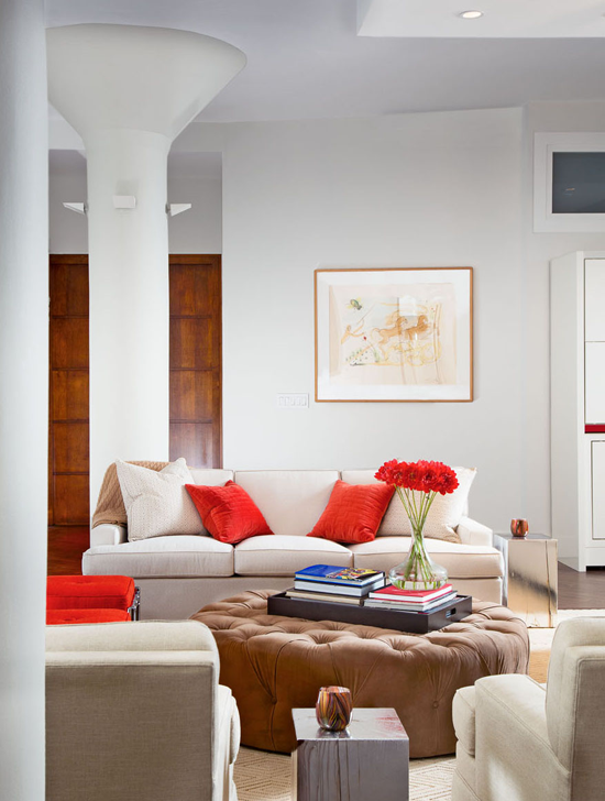 Red, the colors of Skinnygirl used by Gomez Associates in the decorating, photo: Joe Standart, Traditional Home